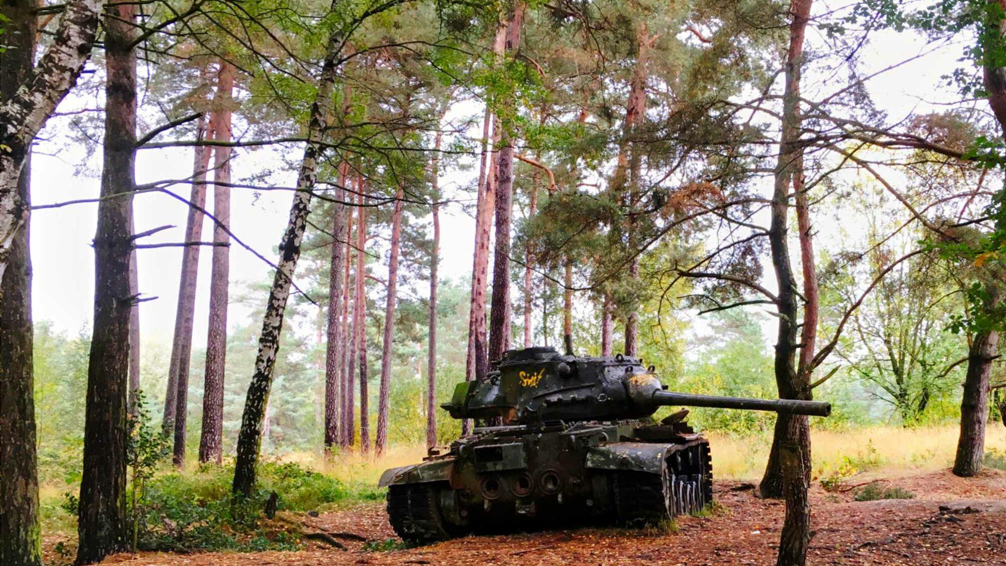 Lost place Panzer mitten im Wald